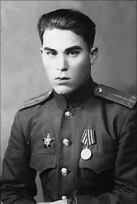 Саша прожил простую жизнь труженика и советского солдата./Фото: elektro-dip.ru